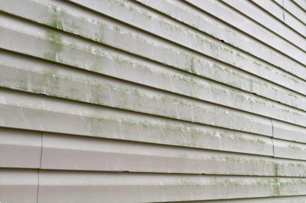 HOW TO SAFELY PRESSURE WASH VINYL SIDING ON YOUR HOME
